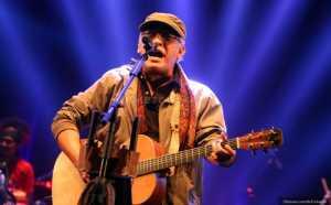 Wah...Penyanyi Iwan Fals Jadi Warga Kehormatan Lampung