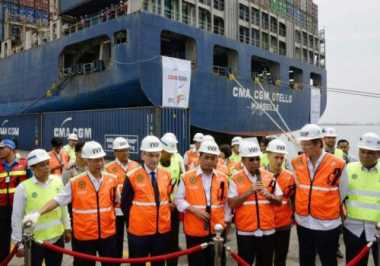 \BUSINESS HITS: Pengusaha Ingin Kapal Raksasa Bisa Singgah Langsung di Indonesia\