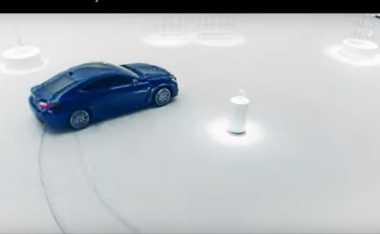 Menegangkan, Aksi Mobil Lexus Melakukan Drifting Dikelilingi Kristal