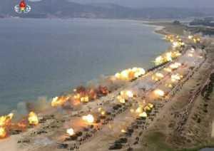 Ketegangan dengan AS Meningkat, Korut Pamerkan Armada Tempurnya