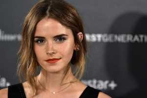 Emma Watson Ngaku Jatuh Cinta dengan Dunia Fashion Lho!