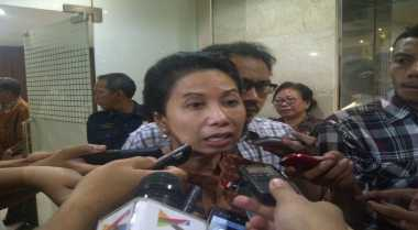 \BUSINESS HITS: Menteri Rini Pertanyakan Penjualan Bensin Eceran Pertamini\