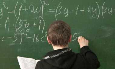 Gunakan Matematika, Ilmuwan Coba Selidiki Kemungkinan Time Travel