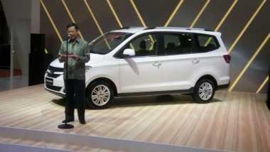 Menteri Airlangga Minta Produsen Mobil Wuling Gunakan 60% Komponen Lokal