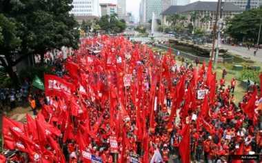 \BUSINESS HITS: May Day, Banyak Posisi Tenaga Kerja Digantikan Mesin\
