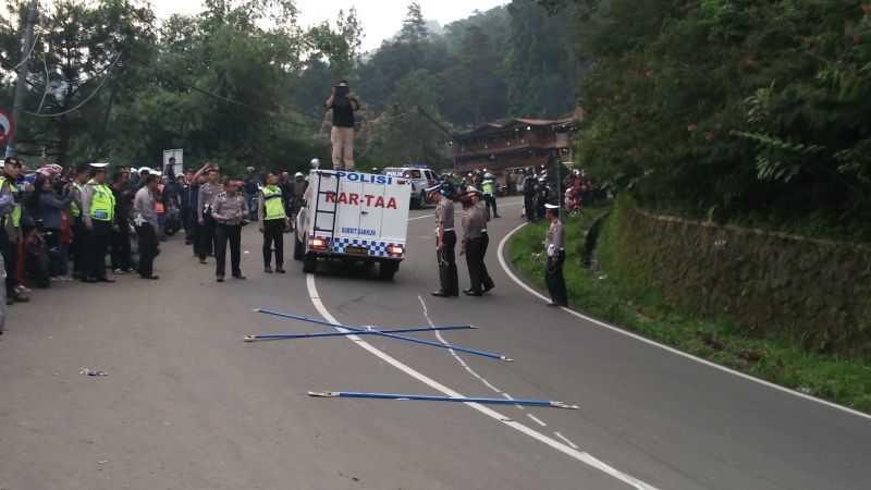 Polisi Gelar Olah TKP Kecelakaan Bus Maut di Ciloto