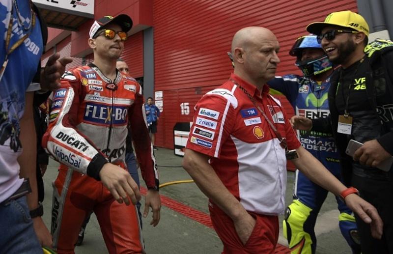 Perlahan Tapi Pasti, Lorenzo Akui Desmosedici GP 17 Lebih Baik