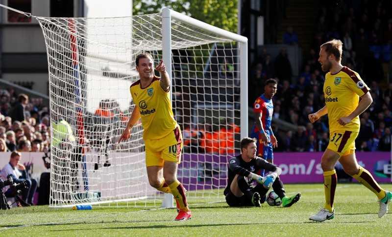 Gol Cepat Barnes Bawa Burnley Unggul Atas Crystal Palace di Babak Pertama