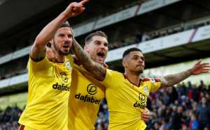 Bertandang ke Markas Crystal Palace, Burnley Sukses Amankan Tiga Poin