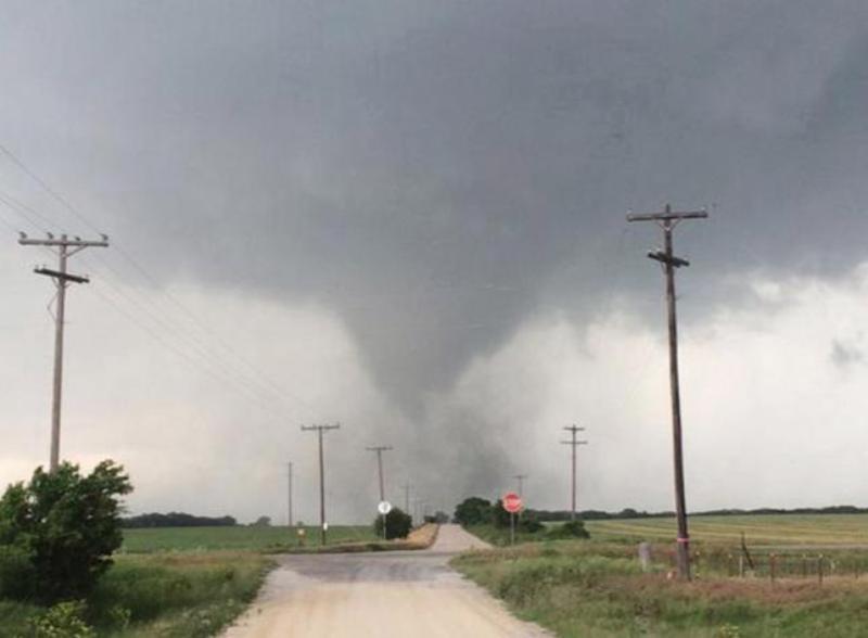 Tiga Tornado Lewati Texas, Lima Orang Tewas