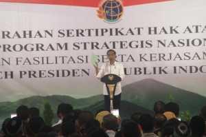 Presiden Jokowi Serahkan 5.000 Sertifikat Tanah untuk Warga Maluku Utara