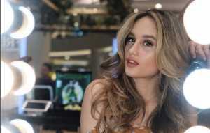 Gaya Hidup Sehat hingga Penggunaan Krim Mata, Kunci Penampilan Cantik Cinta Laura