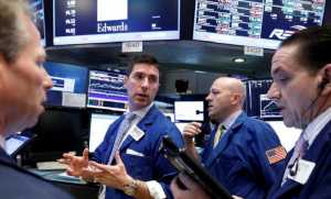 Wall Street Menurun Terbebani Saham Perbankan