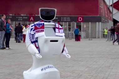 Keren, Robot Besutan Rusia Ini Bisa Meredam Perselisihan Penonton Sepakbola