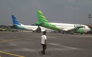 Alhamdulillah, Cuaca Buruk Tak Ganggu Penerbangan di Bandara Hang Nadim