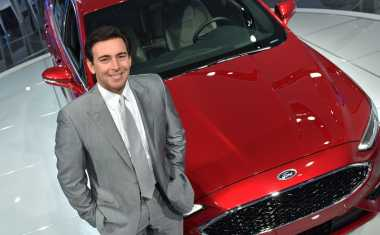 CEO Ford Mark Fields Diberhentikan