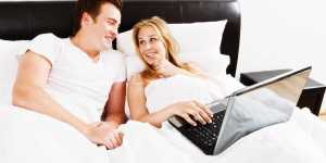 Berencana Nonton Film Porno dengan Istri, Sebaiknya Simak Dulu Tips Ini!