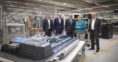 Saingi Tesla, Daimler Bangun Pabrik Baterai Mobil Listrik di Jerman