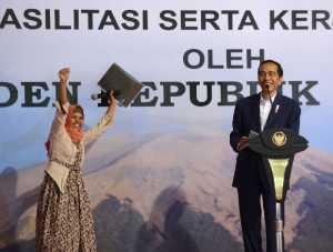Serahkan 10.038 Sertifikat Tanah, Jokowi: Harus Dimanfaatkan untuk Kesejahteraan!