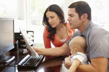 \Nih, 5 Pertimbangan Tetap Bertahan atau Keluar dari Kerja demi Keluarga\