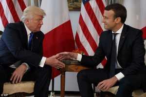 Trump Bertemu Presiden Termuda Prancis di Brussels