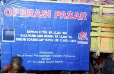 \Tak Mau Bikin Panik, Harga Bawang Putih di Pasar Ini Dijual Rp30 Ribu/Kg\