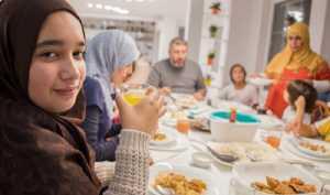 5 Tips agar Tetap Sehat saat Puasa Ramadan