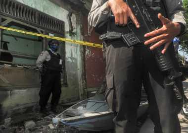 Tim Densus Amankan Suami-Istri di Garut Terkait Bom Kampung Melayu