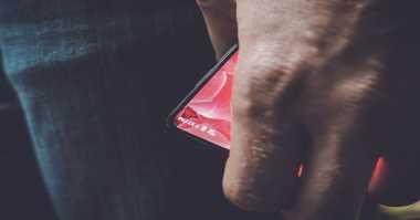 Saingi Mi Mix, Smartphone Essential Siap Mendarat?