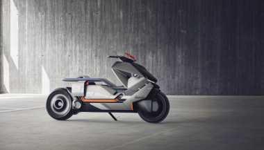 BMW Perkenalkan Skuter Listrik Bongsor dengan Gigi Mundur