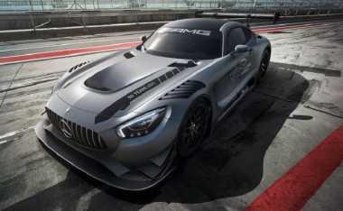 Mercedes-AMG GT3 Edition 50 Meluncur di Sirkuit Nurburgring