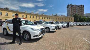 Mitsubishi Kirim 635 Unit Outlander 'Listrik' ke Polisi Ukraina