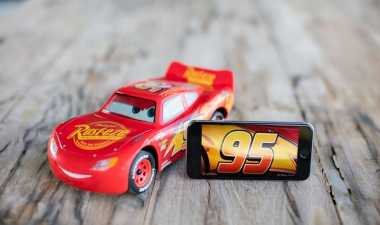 TOP AUTOS: Jelang Rilis Film 'Cars 3', Perusahaan Robot Bikin Lightning McQueen 'Hidup'