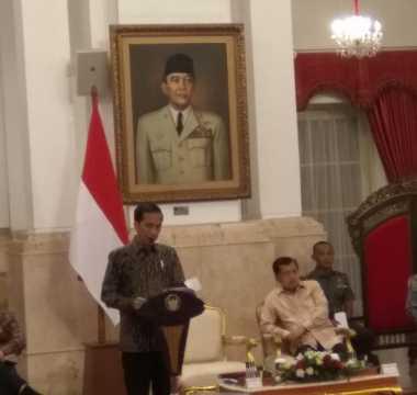\Sindir Banyak Menteri Terbitkan Aturan Baru, Jokowi: Bikin Rumit!\