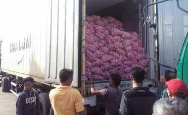 \Di Pasar Induk Rp40.000/Kg, Berapa Harga Bawang Putih Sampai Konsumen?\