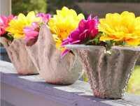 Ubah Handuk Jadi Pot Bunga Unik, Coba Bikin Sendiri Yuk