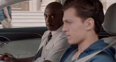 Adegan Lucu Peter Parker Belajar Nyetir Pakai Audi A8 di Film 'Spider-Man'