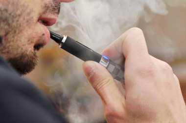 Penggunaan Rokok Elektrik Akan Diatur Perda KTR