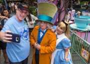 Wow! Seorang Pria di AS Kunjungi Disneyland Selama 2.000 Hari Berturut-turut