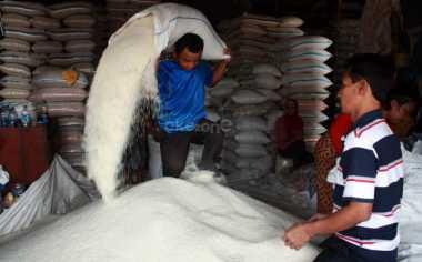 \BUSINESS HITS: Pasokan Pasar Induk Cipinang Aman hingga Lebaran\