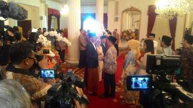\BUSINESS HITS: Open House Jokowi Diserbu Pejabat hingga Masyarakat\
