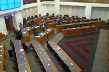 \Tambahan Subsidi Listrik Rp1,7 Triliun Masih Nyangkut di Banggar   \