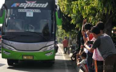 \BUSINESS HITS: Bus Berstiker Biru Jadi Rekomendasi Kendaraan Mudik Kemenhub   \