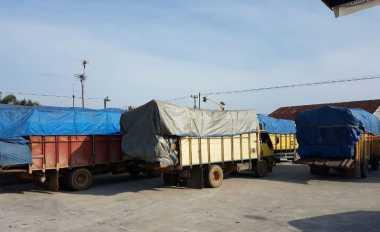 \BUSINESS HITS: Truk Angkutan Barang Diminta Tak Ikut Arus Balik   \