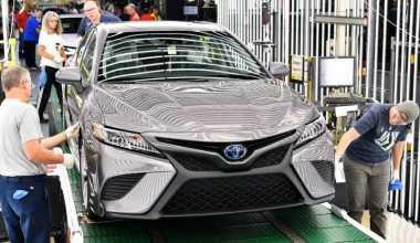 Toyota Camry Terbaru dengan Platform TNGA Mulai Diproduksi