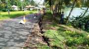 Hati-Hati Jalan Menuju Objek Wisata Batukaras Amblas