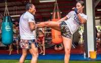 Sebelum Bertarung, Atlet Muay Thai Cantik Ini Harus Jalani Ritual Seks Pagi Hari