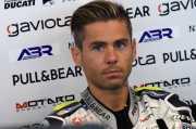 Ingin Fokus ke MotoGP Dulu, Alvaro Bautista Siap Nikahi Kekasihnya pada Desember 2017