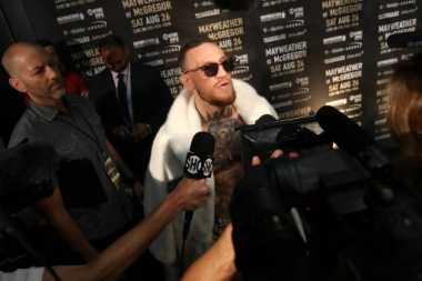 Dituduh Bertindak Rasis kepada Mayweather, Smith: McGregor Tak Lakukan Apa pun