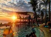 SHARE LOC: <i>Spot</i> Terbaik untuk Pesta Pantai di Bali Sambil Nikmati Matahari Tenggelam